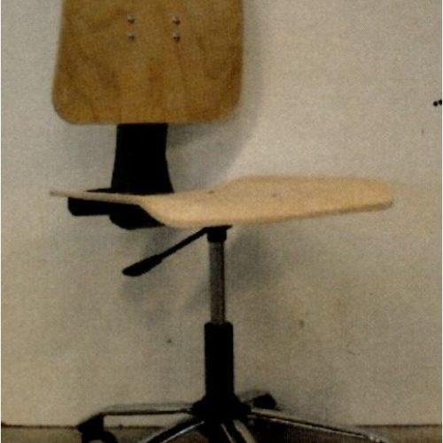 sedia in faggio per laboratorio di chimica e fisica